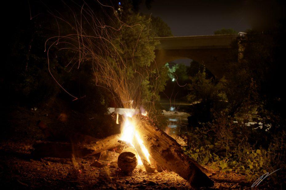 Lagerfeuer an der Cèze