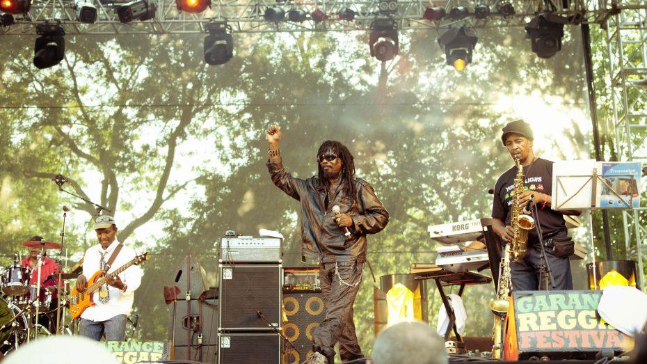 Garnace Reggae, Cornell Campell