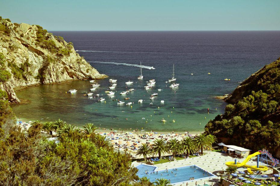 Strandclub auf dem Weg nach Tossa de Mar